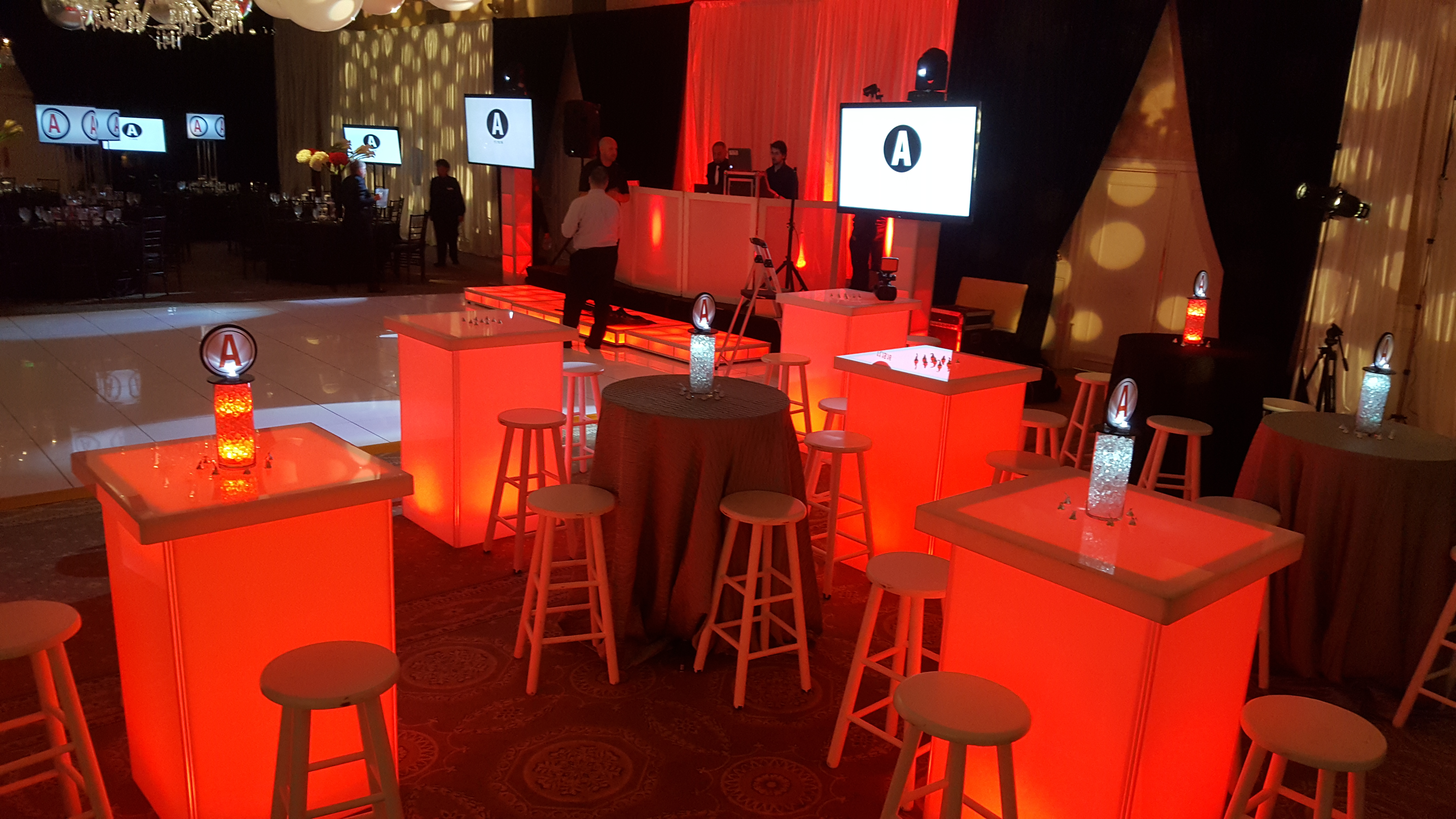 LED Lounge Cocktail Tables and Stools